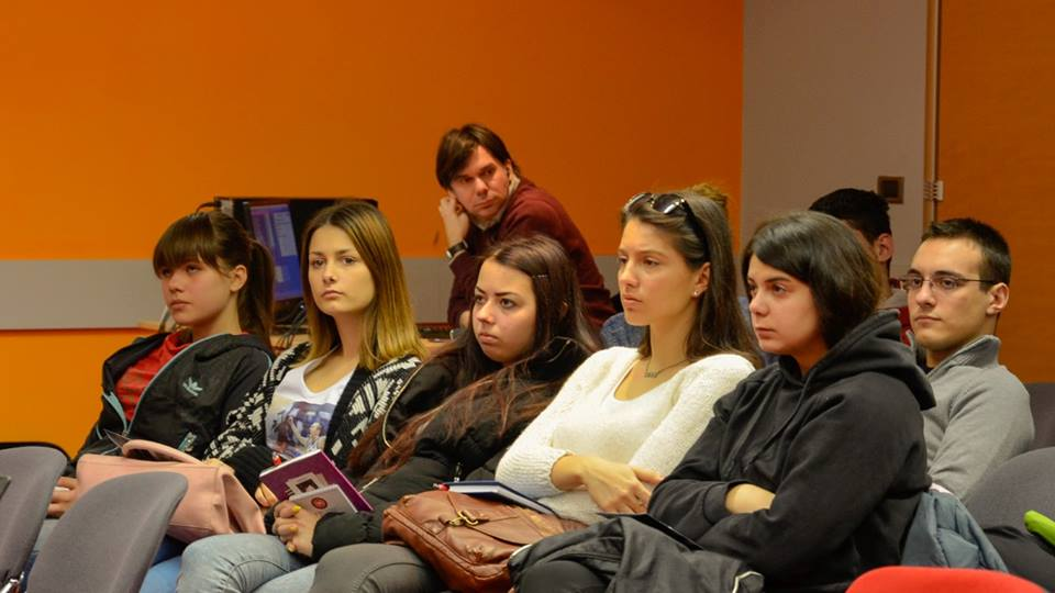 Učenici-na-jednom-od-predavanja-zimske-škole-programiranja-i-dizajna